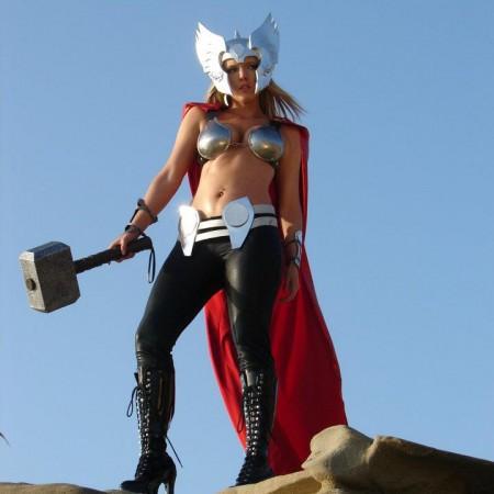 lady-thor3